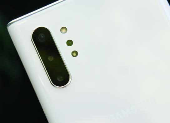 •• أفضل 5 هواتف جديدة من شركة Samsung | العصر الجديد ~ Samsung-Galaxy-Note10-Plus-Back-Camera